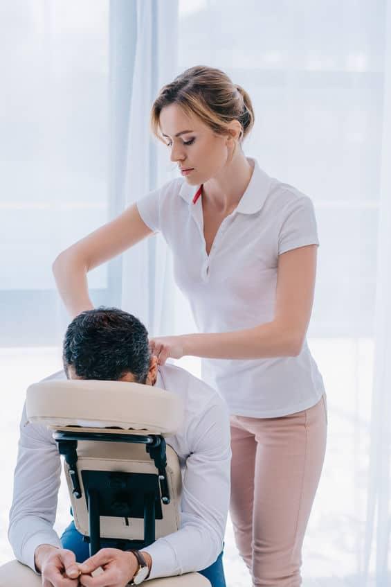 kinesitherapeute femme massage